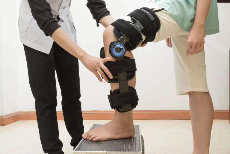 What's recovery after knee arthroscopy like?